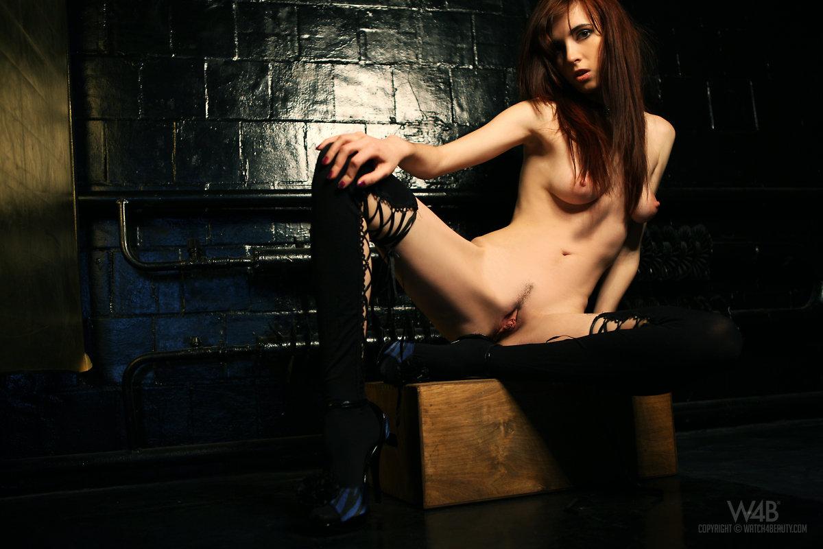 Watch4Beauty online erotic magazin update – Iskra