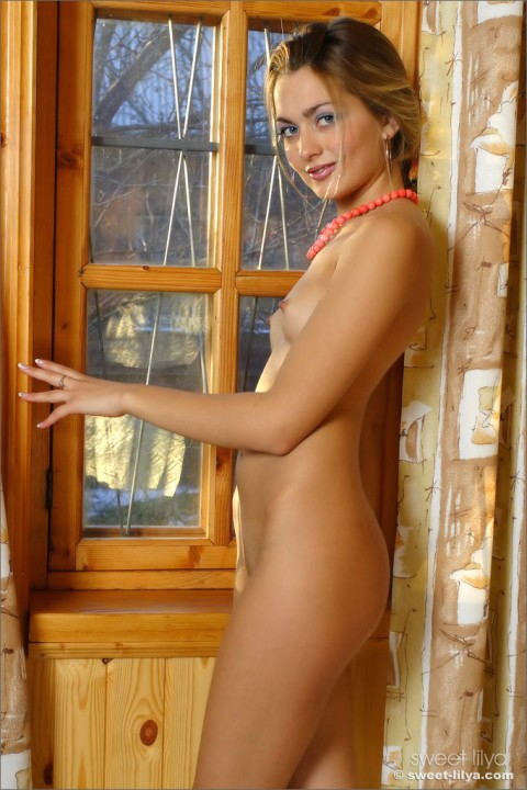 sweet-lilya-nude-erotic-model