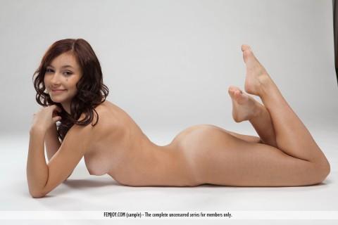 Femjoy-Nude-Erotic-Magazin-Rosalin