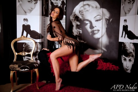 APD-nude-erotic-models-sarah-e