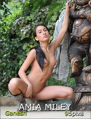 Breathtakers erotic models – Amia Miley, Fawna Latrisch and Chloe Smith