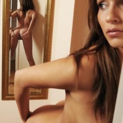 tle-erotic-nude-models-issey-234..jpg