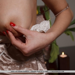 tle-erotic-nude-models-daisy-226..jpg