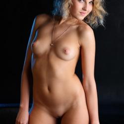 tle-erotic-nude-models-rina-225..jpg