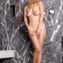 nude-erotic-wet-look-107..jpg