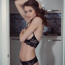 met-art-nude-erotic-loretta-102..jpg