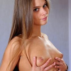 femjoy-erotic-nude-models-alice-226..jpg