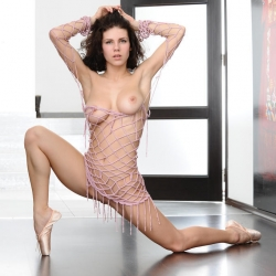 erotic-nude-elsa-108.jpg