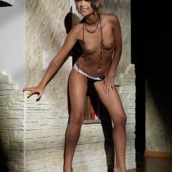 erotic-nude-mia-105.jpg