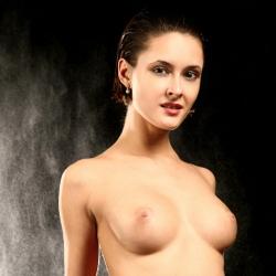 erotic-nude-leona-101.jpg