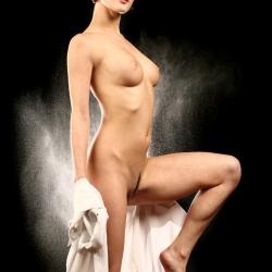 erotic-nude-leona-103.jpg