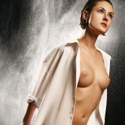 erotic-nude-leona-104.jpg