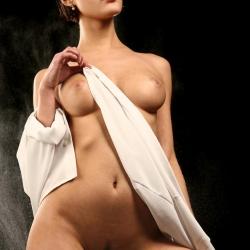 erotic-nude-leona-105.jpg