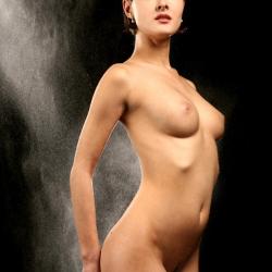 erotic-nude-leona-106.jpg