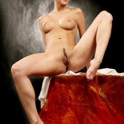erotic-nude-leona-108.jpg