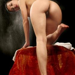 erotic-nude-leona-109.jpg