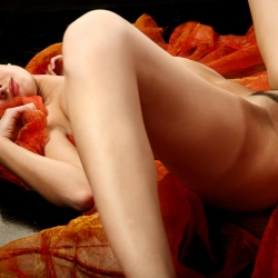 erotic-nude-leona-113.jpg