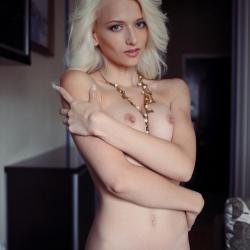 erotic-nude-nika-102.jpg