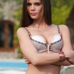 erotic-nude-caprice-105.jpg