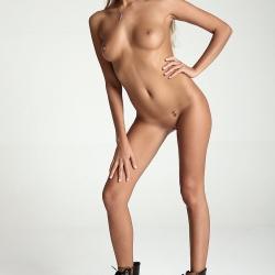 20150917-erotic-nude-clover-113.jpg