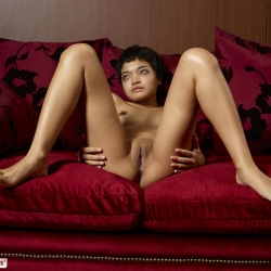 hegre-erotic-nude-models-purr-229..jpg