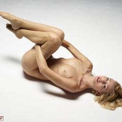 hegre-erotic-nude-models-coxy-232..jpg