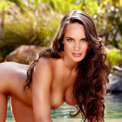 nude-erotic-itsybitsy-bikini-105..jpg