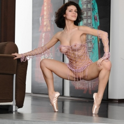 erotic-nude-elsa-105.jpg