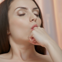 sex-art-erotic-nude-models-alana-227..jpg