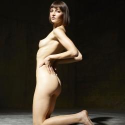 hegre-erotic-nude-models-flora-233..jpg